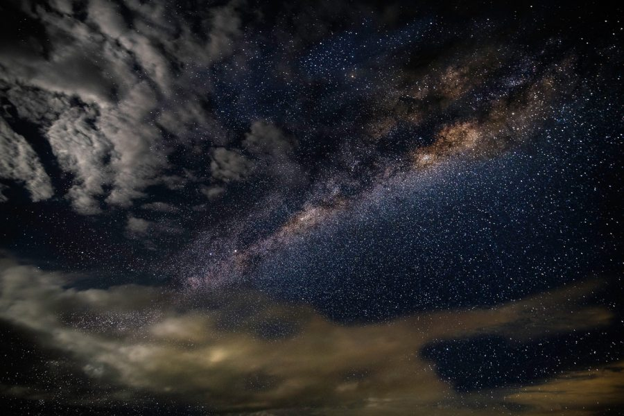 stars-and-clouds-at-nighttime-1229042